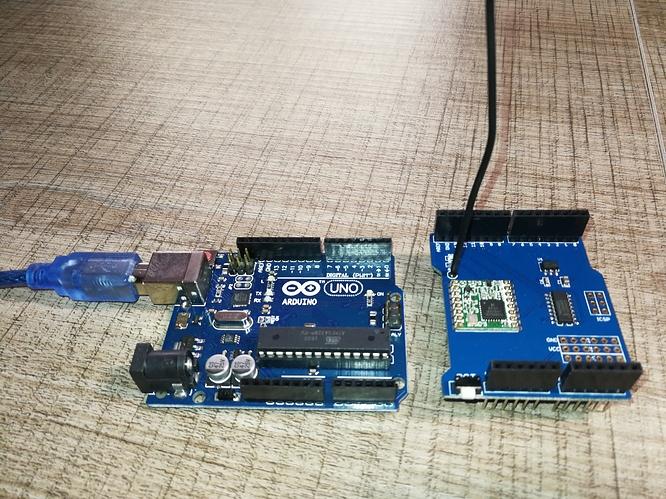 Arduino uno card lora rfm shield mhz problem